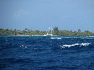 Boat aground on SE shore of Mayreau